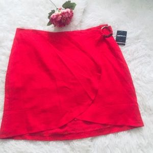 NWT Plus Size Forever 21 Red Mini Skirt. Size 2X